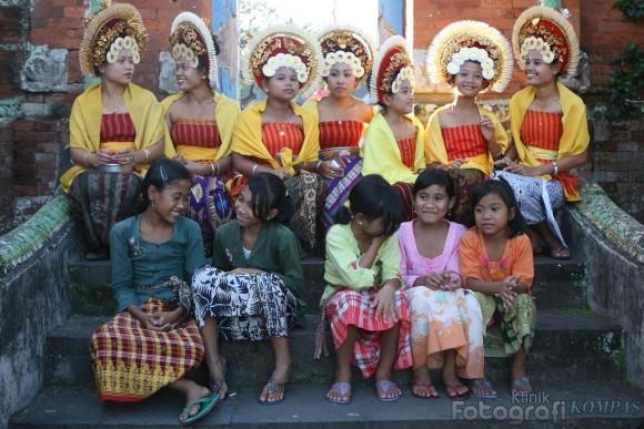 Ikhtiar Warga Desa Bungaya untuk Berkabar